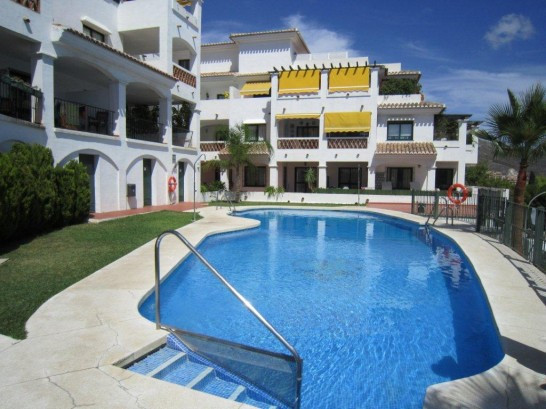 A well presented, raised ground floor apartment within walking distance of all the amenities of Bena,Spain
