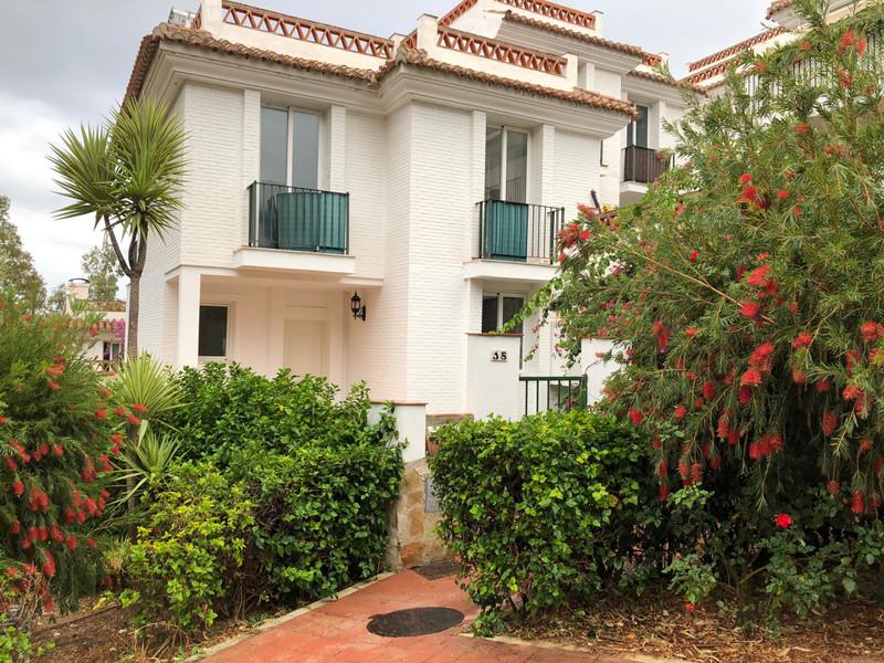 Marbella Banus Adosada en venta en Benalmadena Pueblo – R3539779