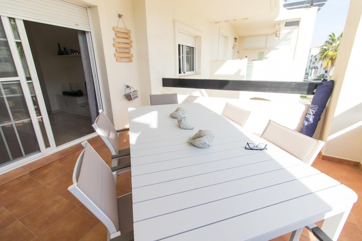 2 Bedroom Middle Floor Apartment For Sale San Luis de Sabinillas