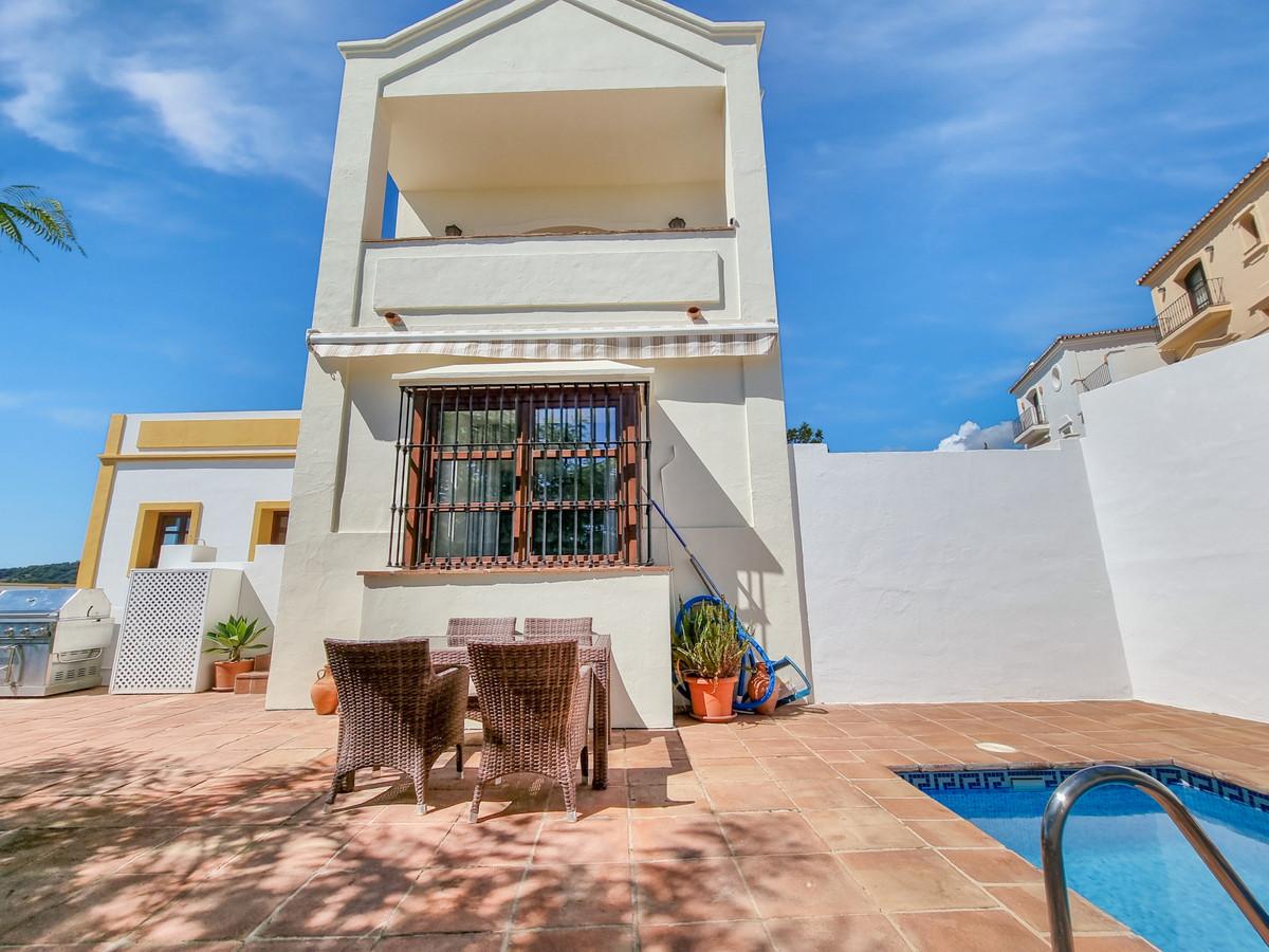 Villa, Pareada  en venta    en Benahavís