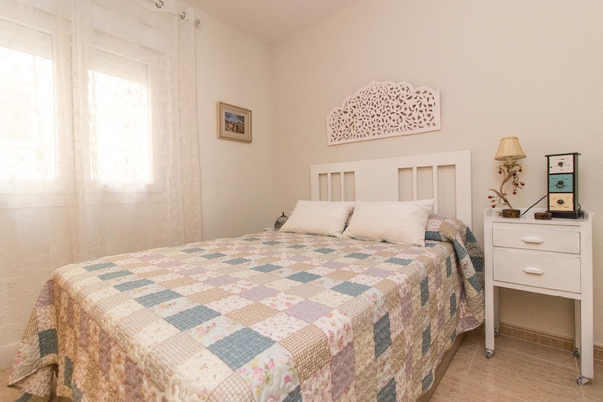Gorgeous, fully furnished 2-bedroom 2-bathroom apartment in an amazing location: right in the centre, Spain