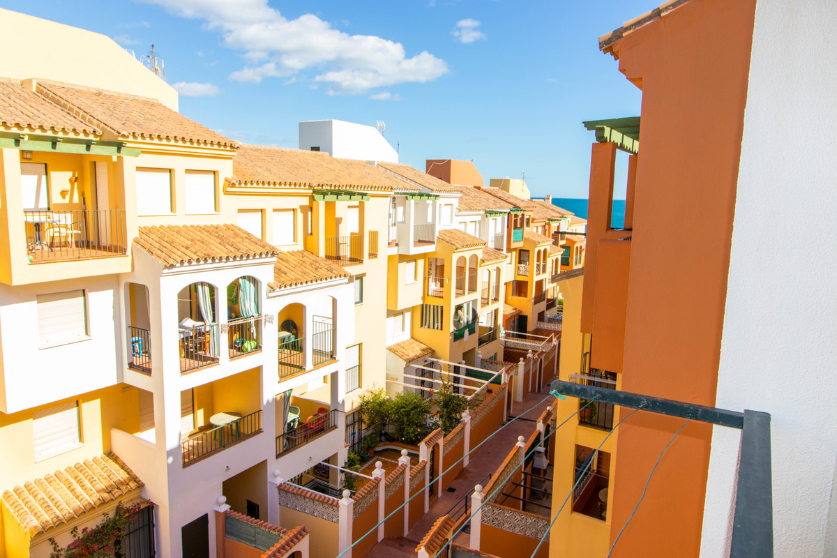 Bright, fully furnished two bedroom apartment in the urbanization Jardines Del Mar just a few meters,Spain