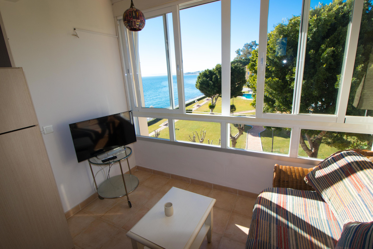 Fully furnished studio apartment frontline beach in the New Golden Mile with exceptional panoramic s,Spain
