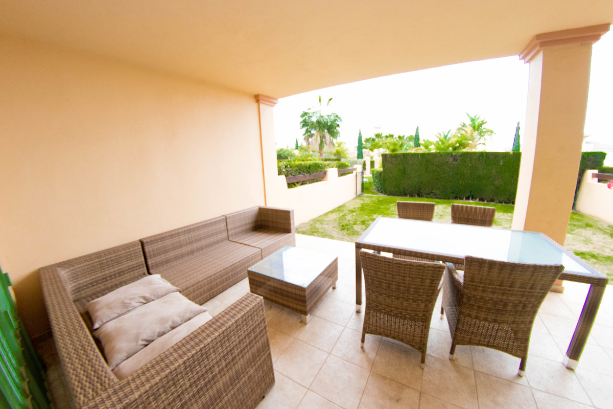 An absolute bargain – priced to sell SOON! This ground floor apartment is located in the prestigious, Spain