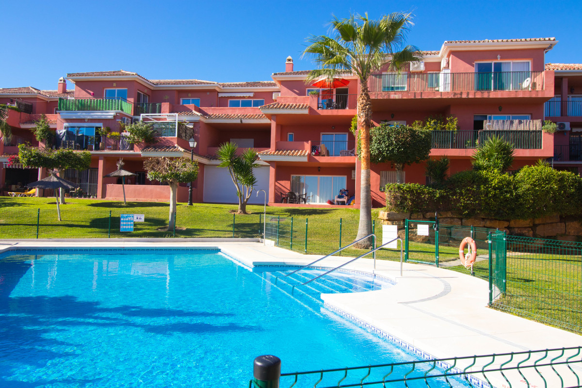 A real bargain! Spacious 2-bedroom apartment in the popular urbanisation Manilva gardens for just 14,Spain