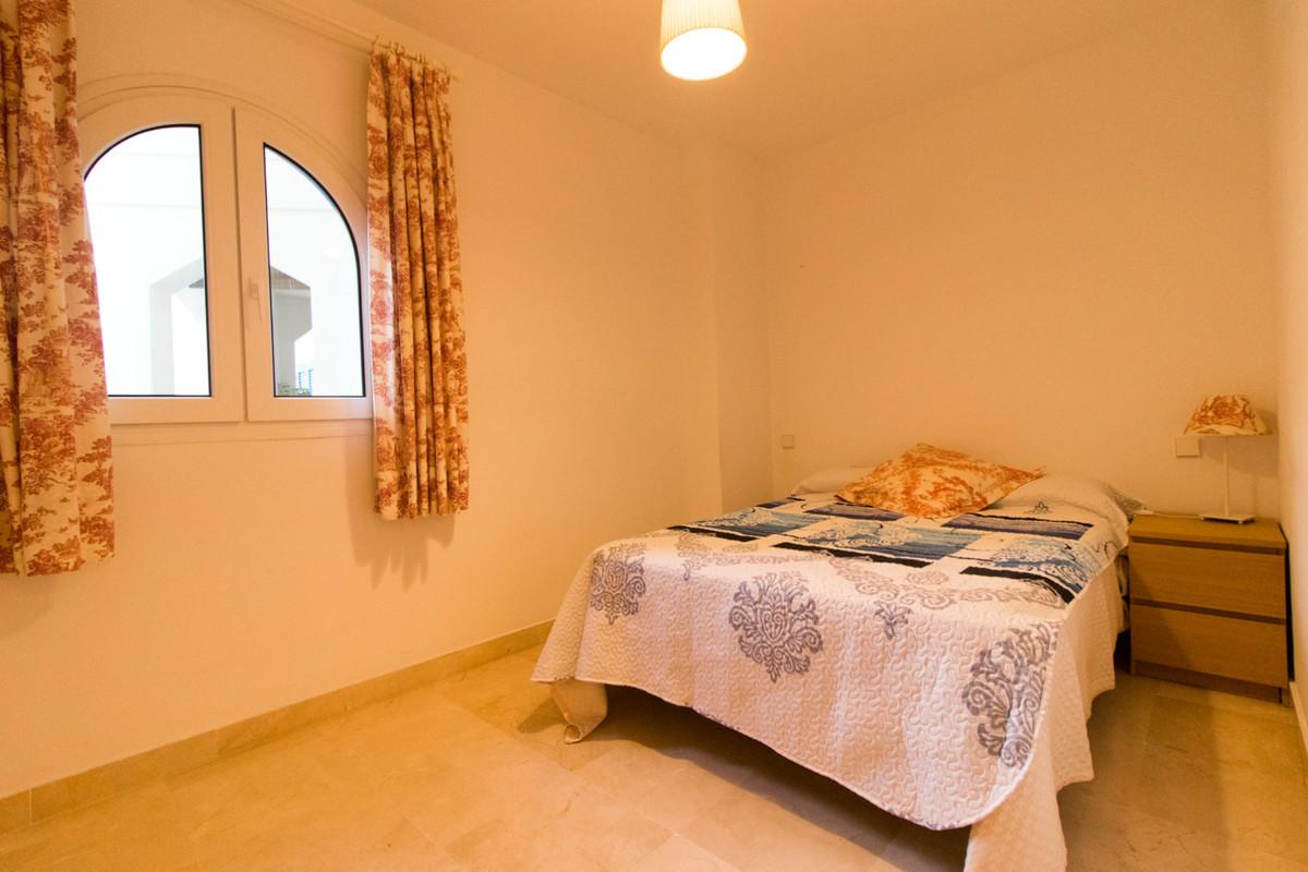 1 Bedroom Apartment For Sale, San Luis de Sabinillas