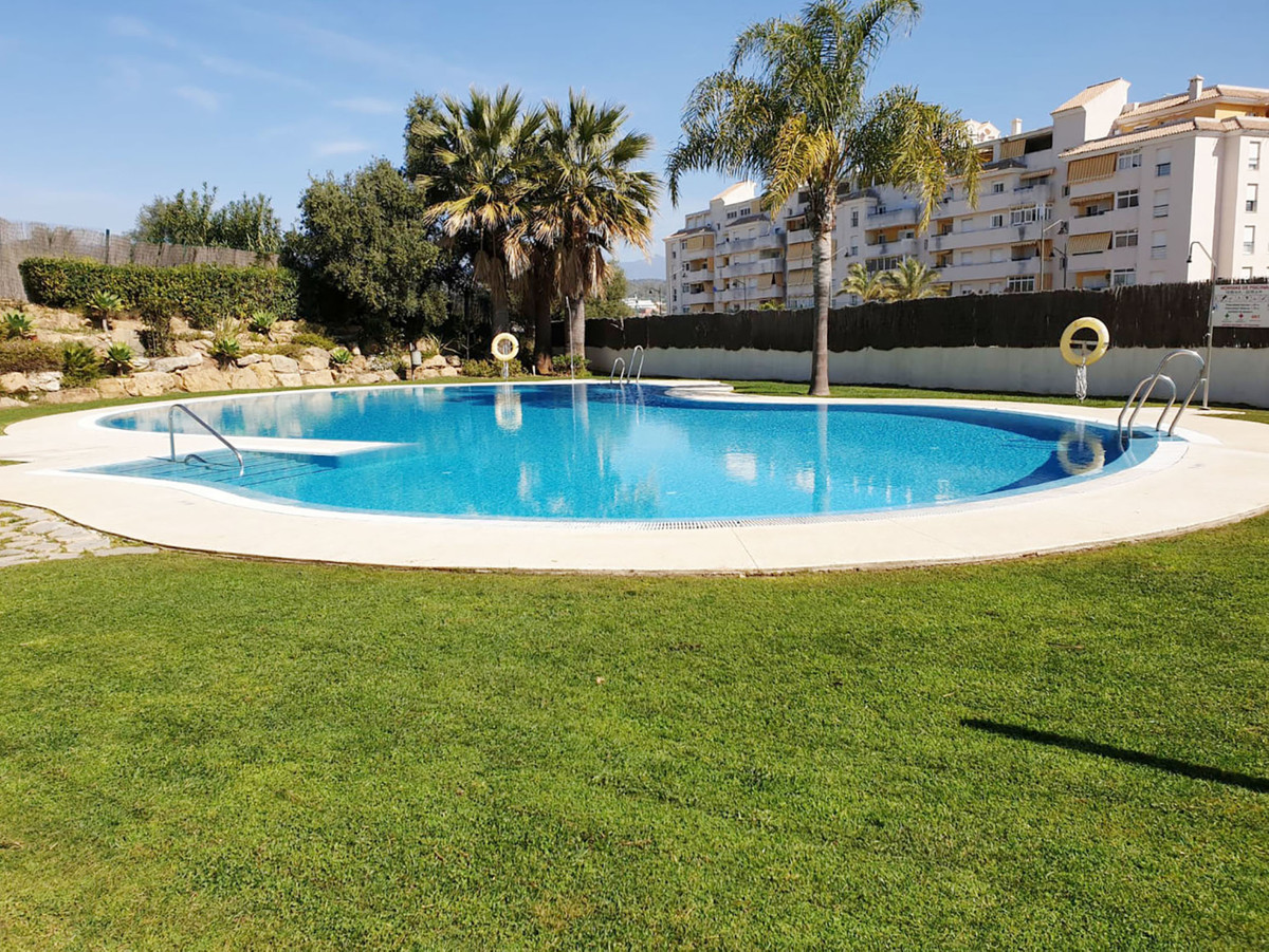 Our team is ready to present you this duplex penthouse in the private residential complex Set Home, , Spain