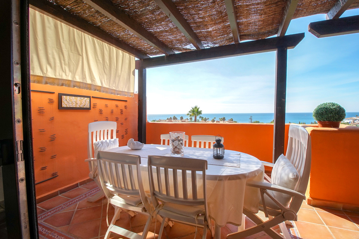 3-bedroom apartment in a residential complex. The property is situated in a gated complex with a com,Spain