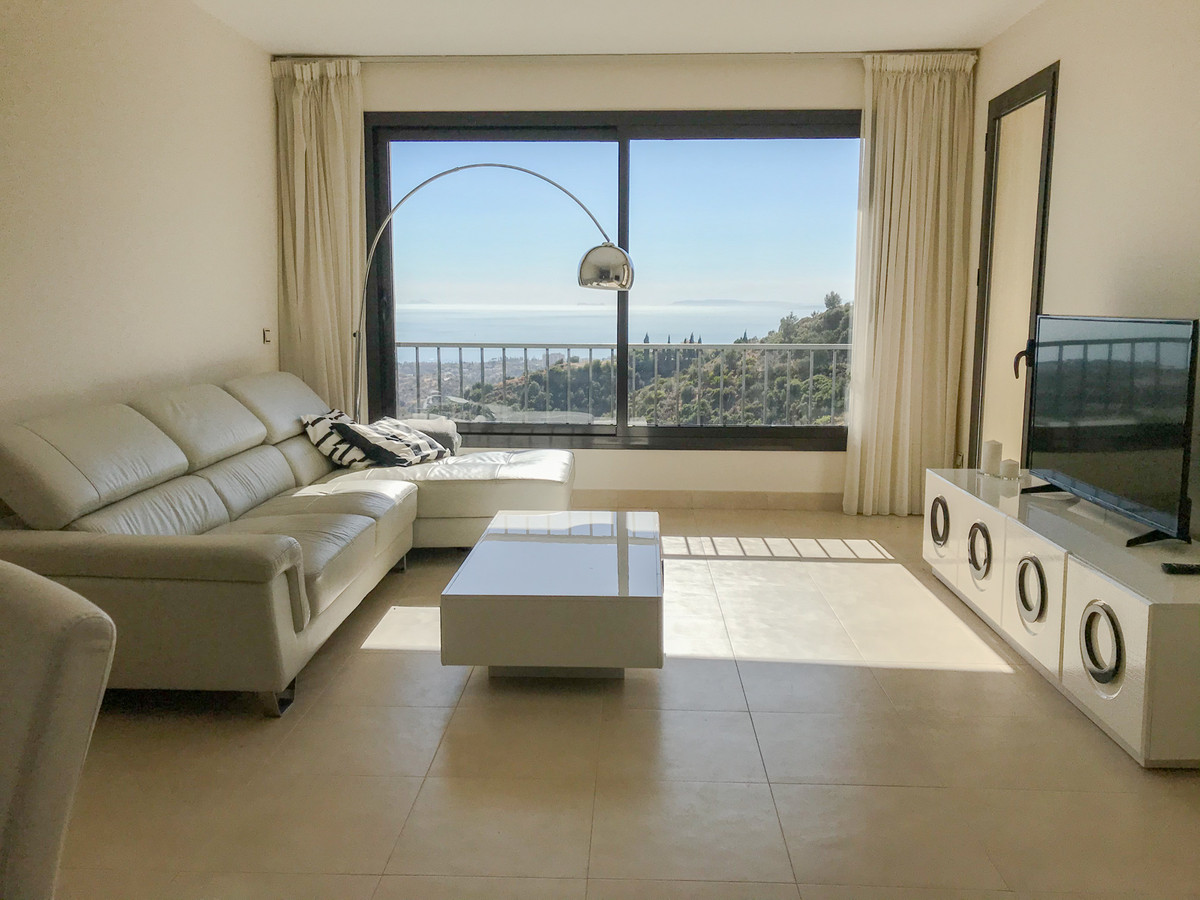 Apartment for a long term rental and for sale in Marbella, 10 minute drive to the center. Composed o,Spain