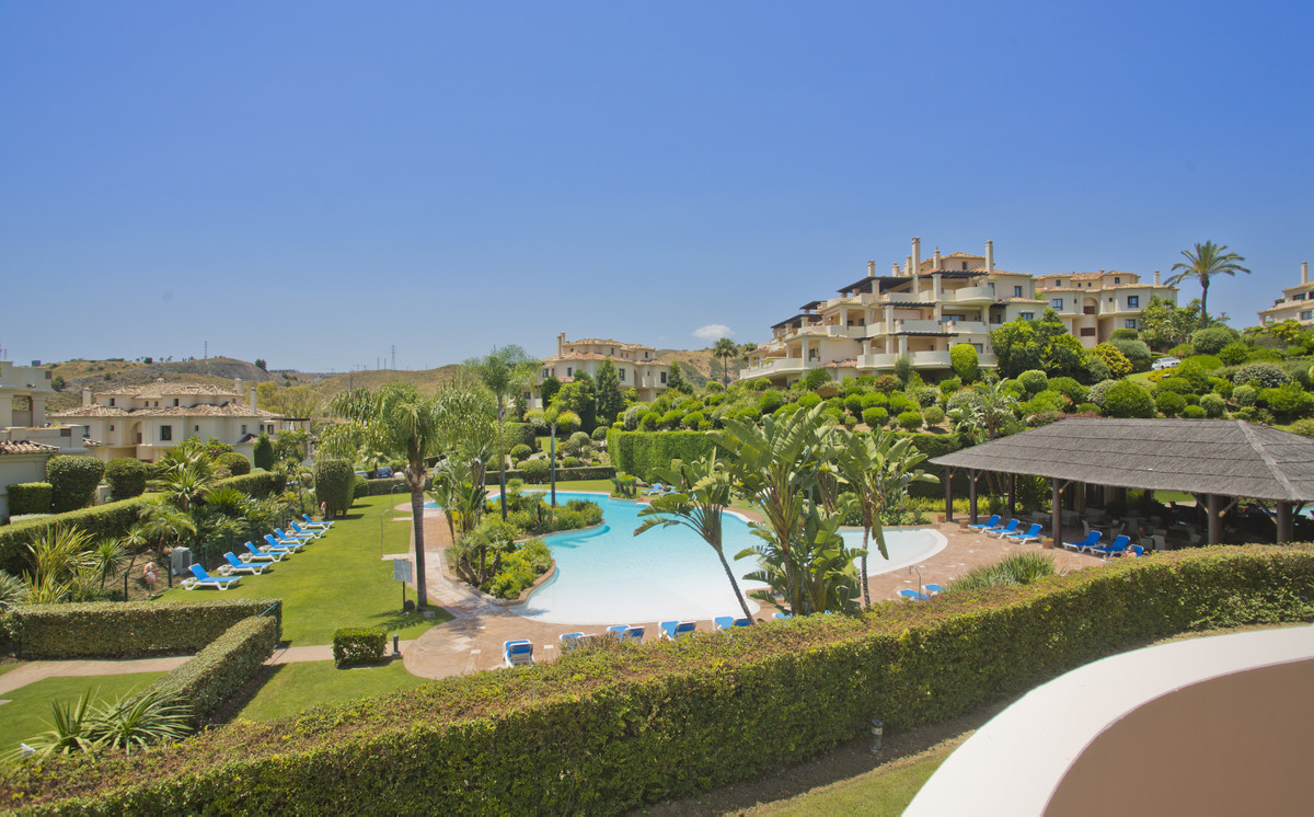 EXCELLENT 2 BEDROOM APARTMENT AT CAPANES DEL GOLF, BENAHAVIS  This attractive and well-priced apartm,Spain