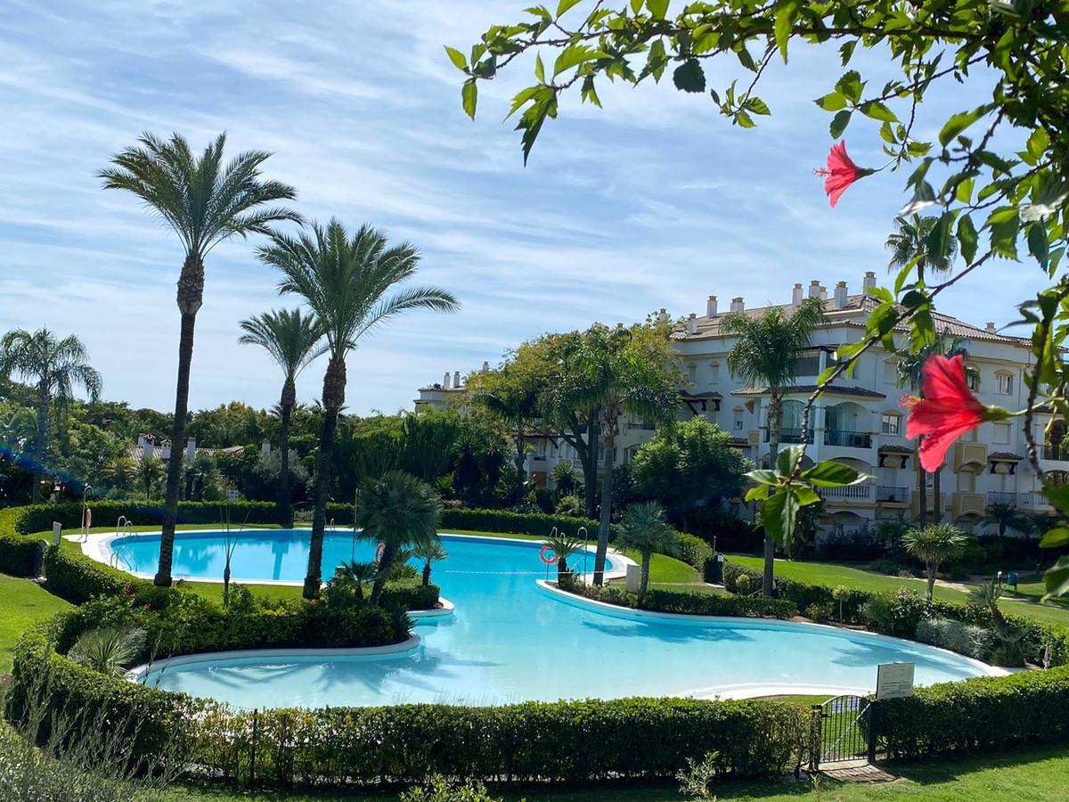 Marbella Banus Apartamento Planta Baja en Venta en Marbella – R3749101