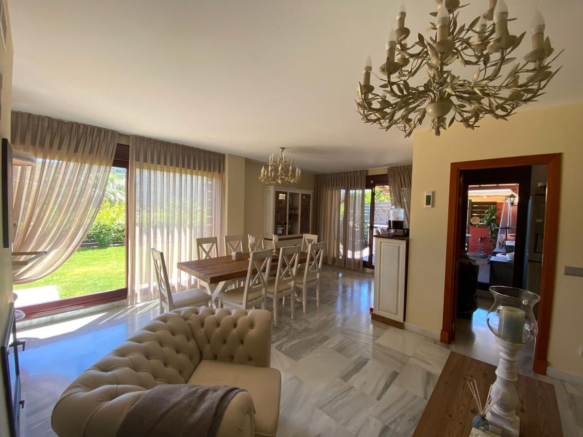 R3858892   Detached Villa in Benahavís – € 420,000 – 2 beds, 2 baths