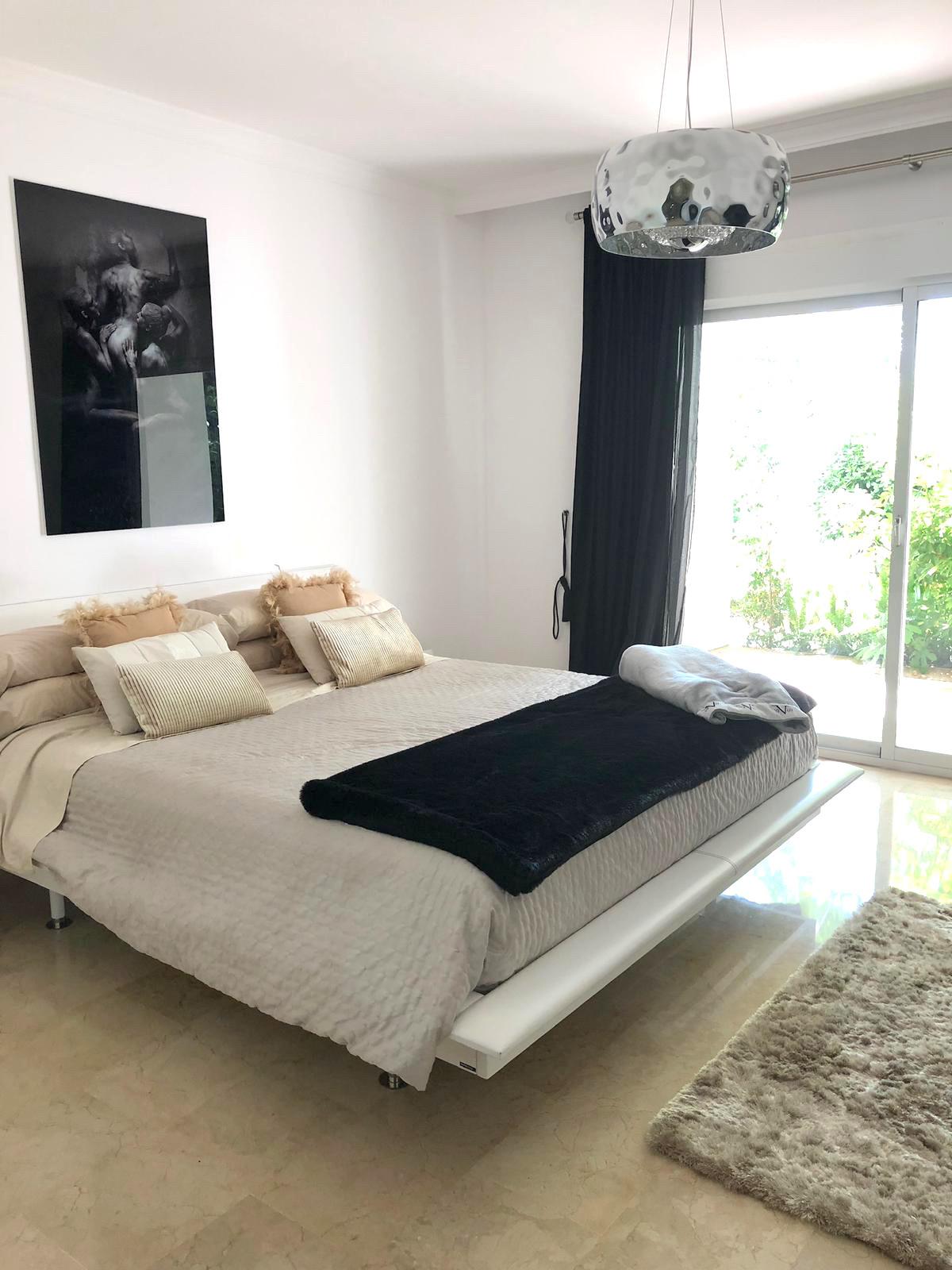 Apartamento en Venta en Marbella – R3743686
