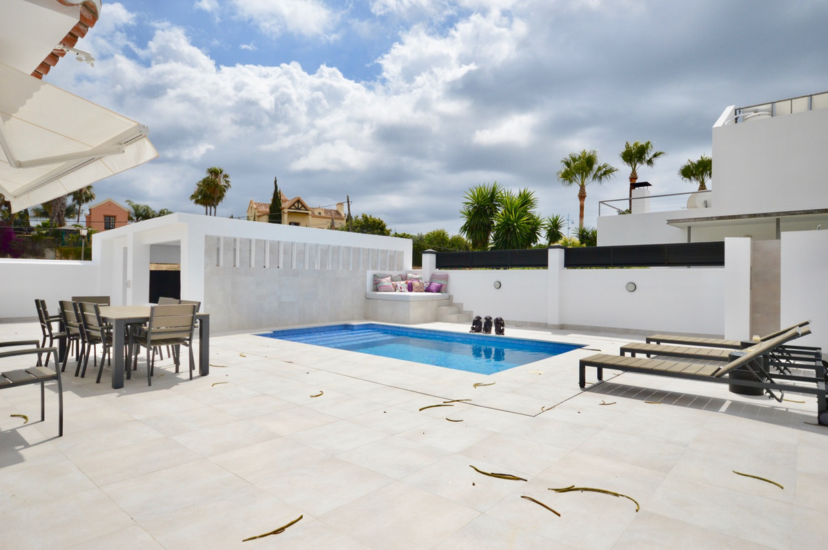 Villa  Detached 													for sale  																			 in San Pedro de Alcántara