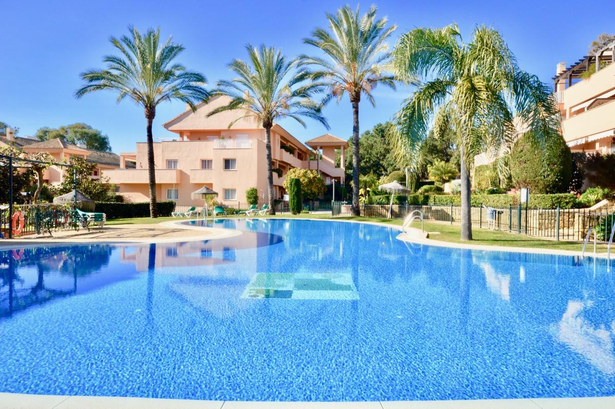 Marbella Banus Apartamento Planta Baja en Venta en Elviria – R3359215