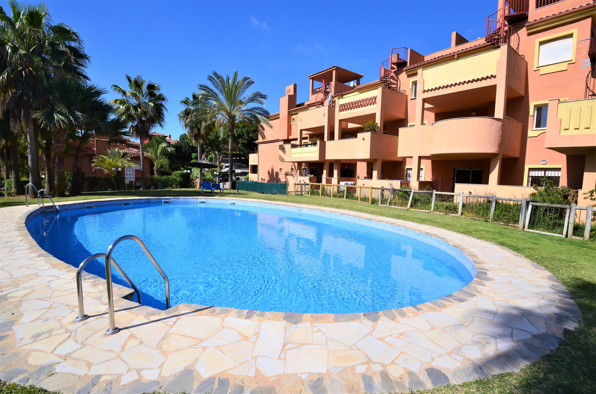 Ground Floor Apartment in Reserva de Marbella R3409696