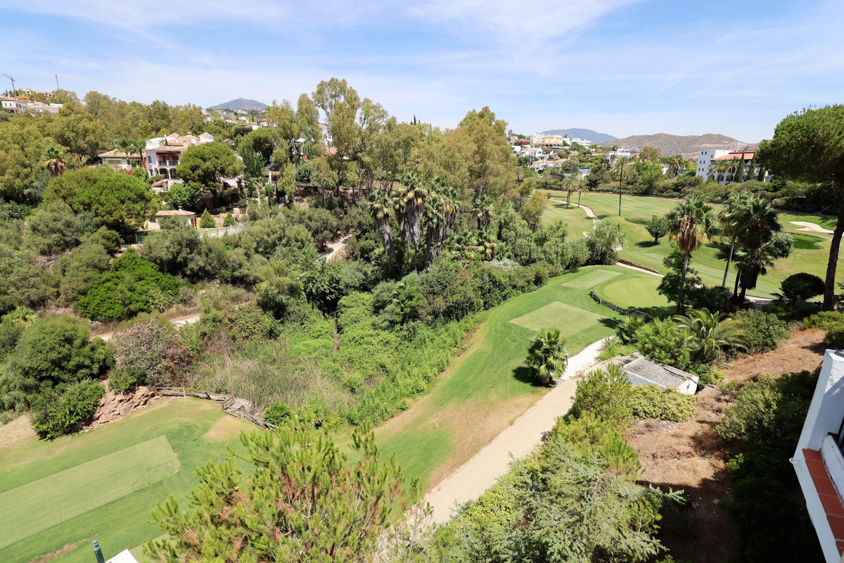 Spacious FRONT LINE GOLF 4 BEDROOMS TOWNHOUSE with glorious Golf and Garden views from his chaming a,Spain
