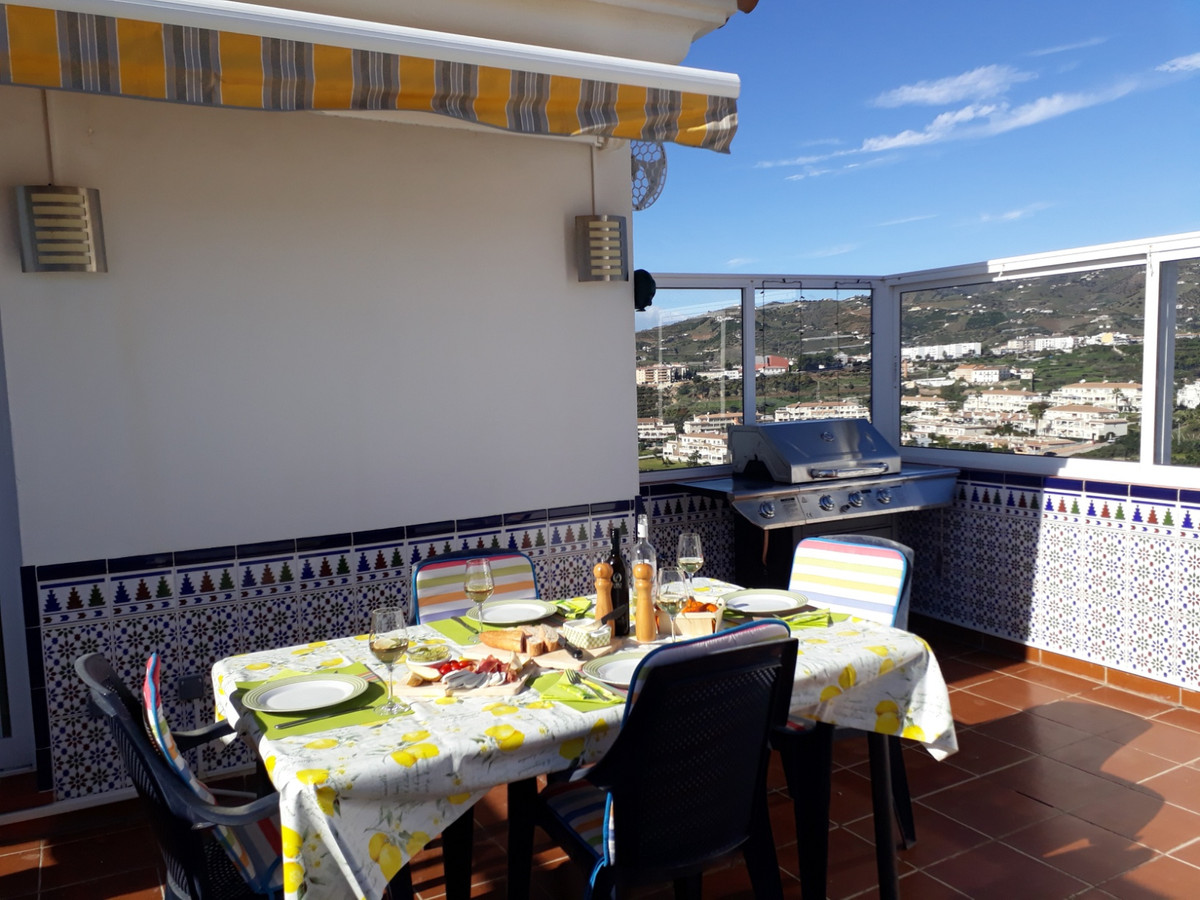 Torrox Park, beautiful 2 bedroom penthouse for sale  For sale we have a modern penthouse apartment w, Spain
