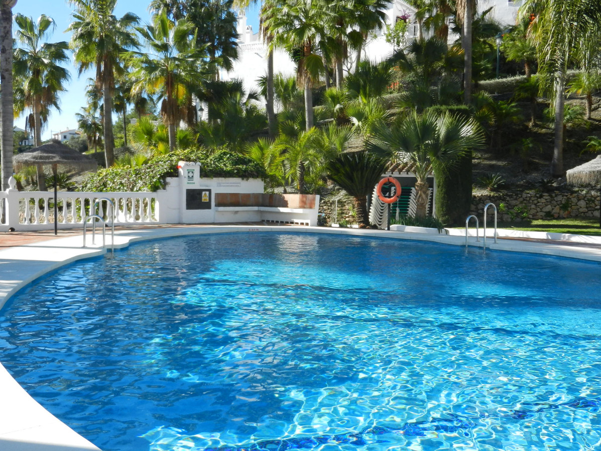 Nerja Apartment for sale, 2 bed, 2 bath with communal pool ...