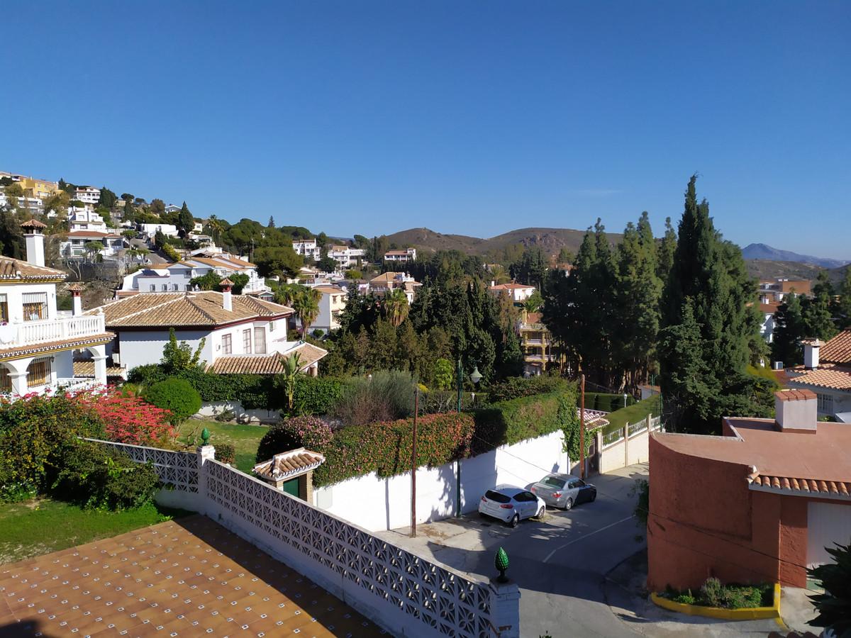 Villa 6 Dormitorios en Venta Málaga