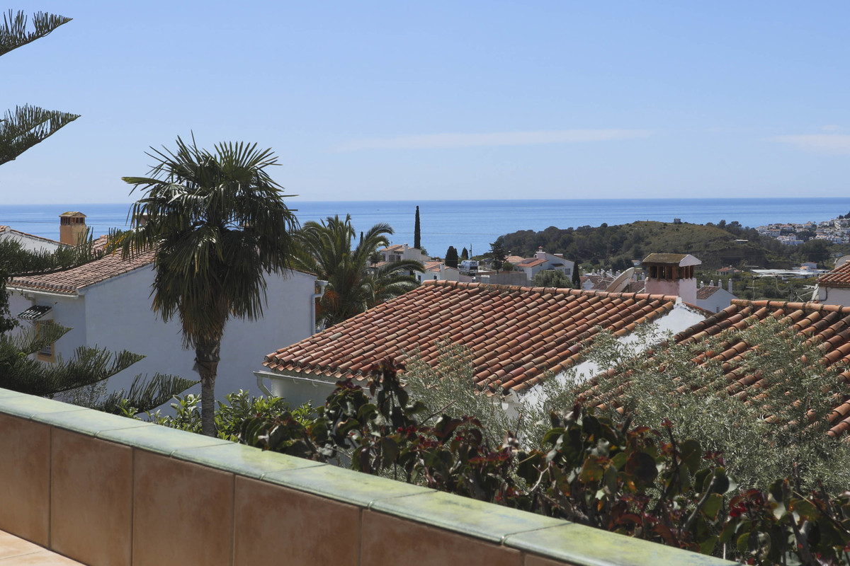 La Noria is an established urbanisation with an attractive communal pool and gardens as well as a te,Spain