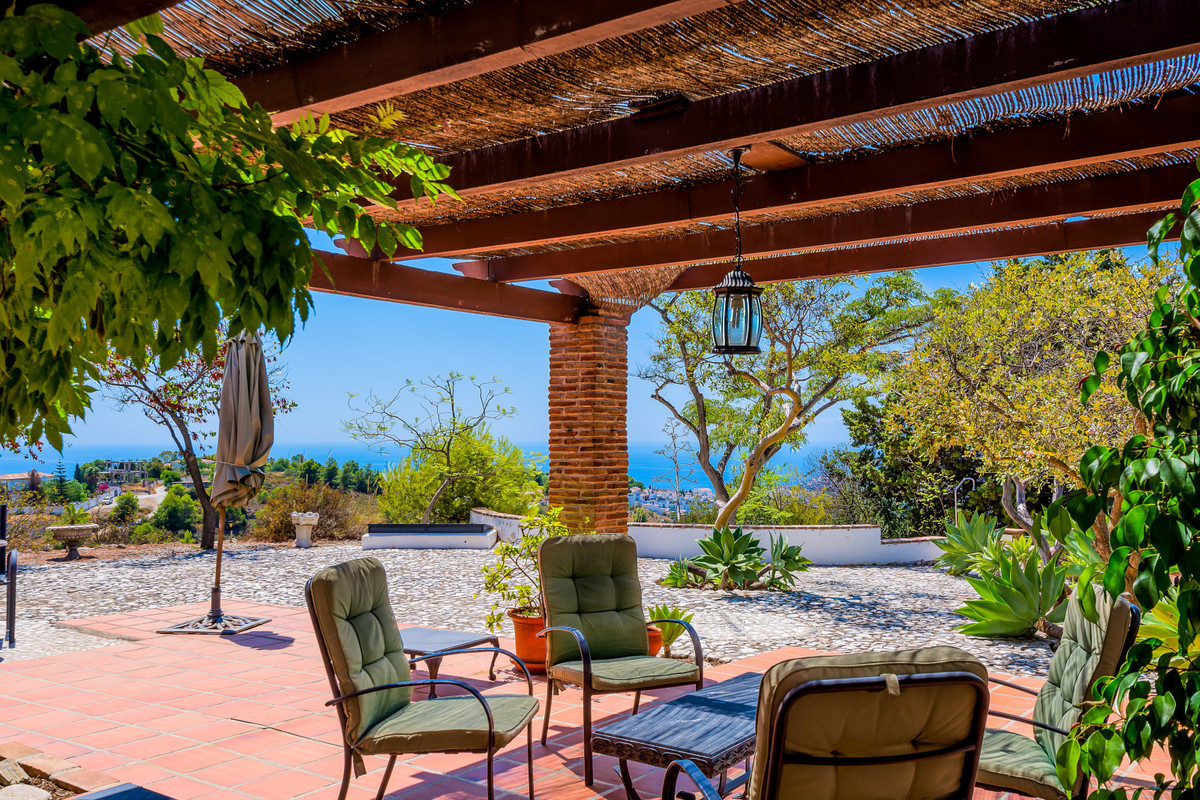 This magnificent villa, steeped with historical significance dating back to the Phoenician period, i,Spain