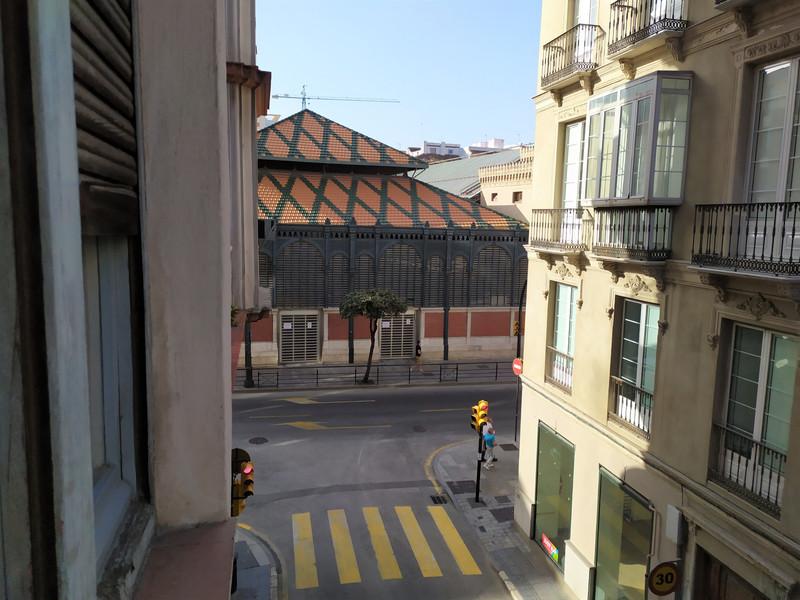 Marbella Banus Apartamento Planta Media a la venta, Málaga Centro – R3648341