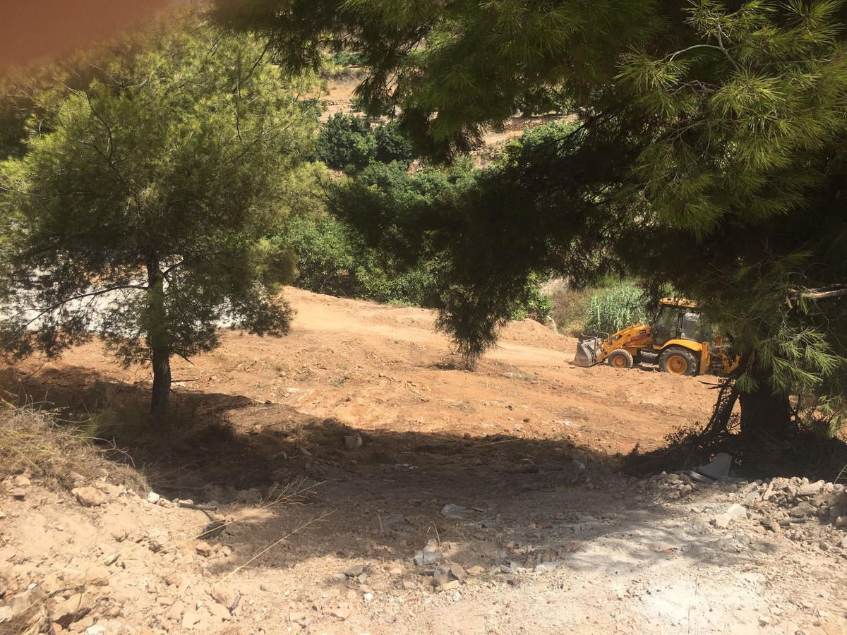 An east facing building plot of 1.426m2 to build a property of 151m2 to the north of Nerja  Just off, Spain