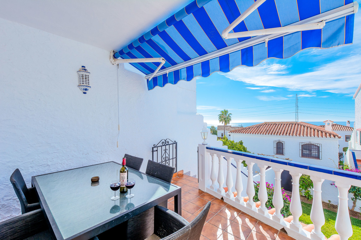 A very well presented 2 bed townhouse and a self-contained one bed apartment on Capistrano Village, , Spain