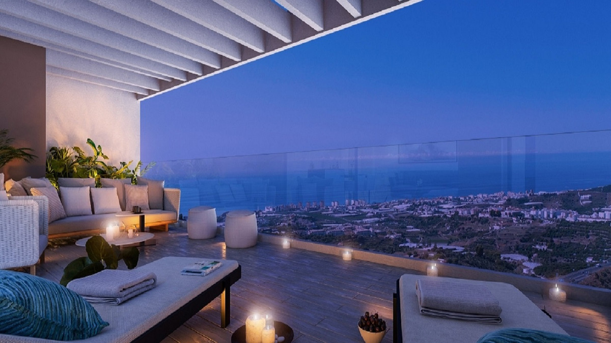 A unique residential ultra modern new development, 72 apartments & penthouses with sea & mou, Spain