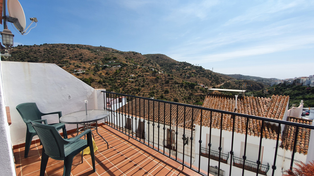 1 bedroom south facing townhouse with sea and mountain views in Torrox Pueblo  Torrox is a pretty wh, Spain
