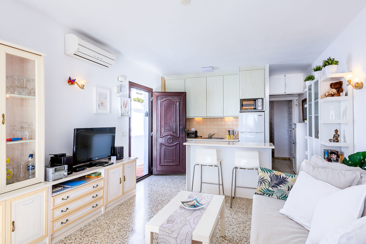 Nerja Apartment for sale, 1 bed, 1 bath with communal pool ...