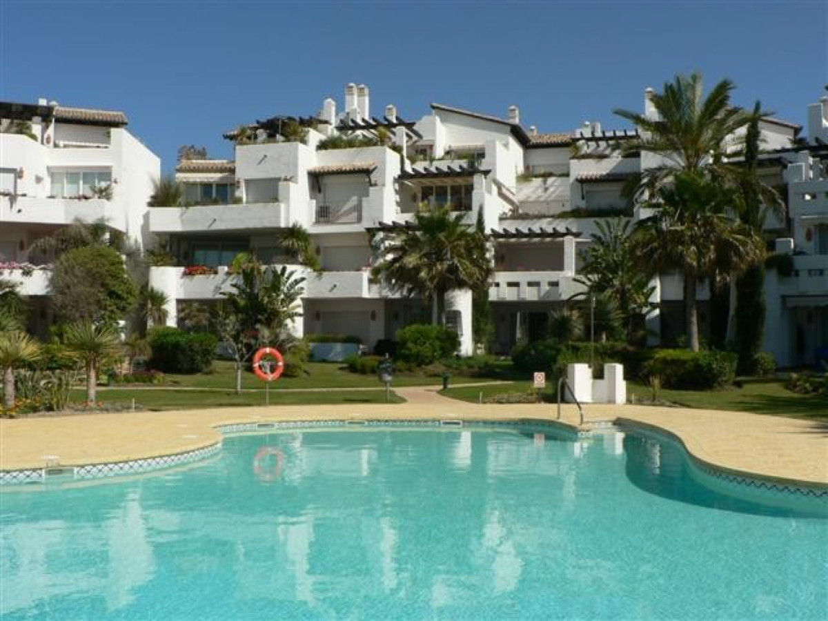 Apartment, Middle Floor  for sale    in Costalita