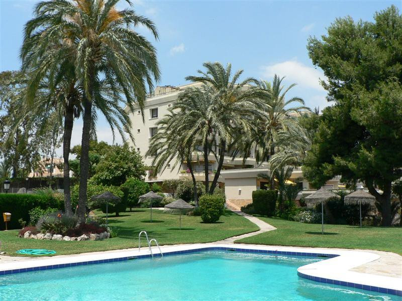 Studio, Middle Floor  for sale    in Atalaya
