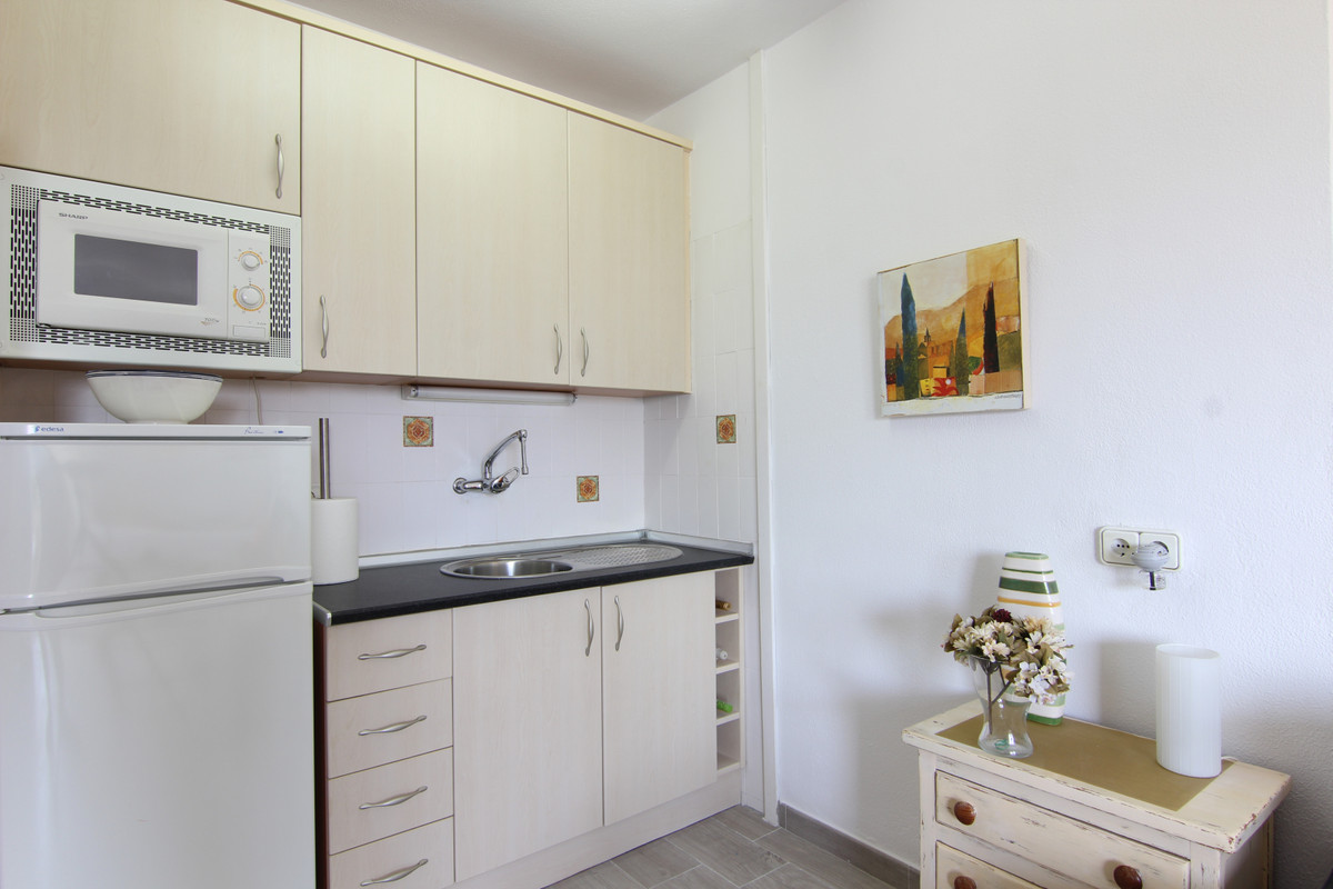 Studio Middle Floor for sale in Atalaya, Costa del Sol