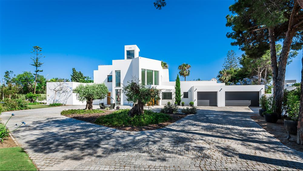 Villa, Detached  for sale    in Atalaya