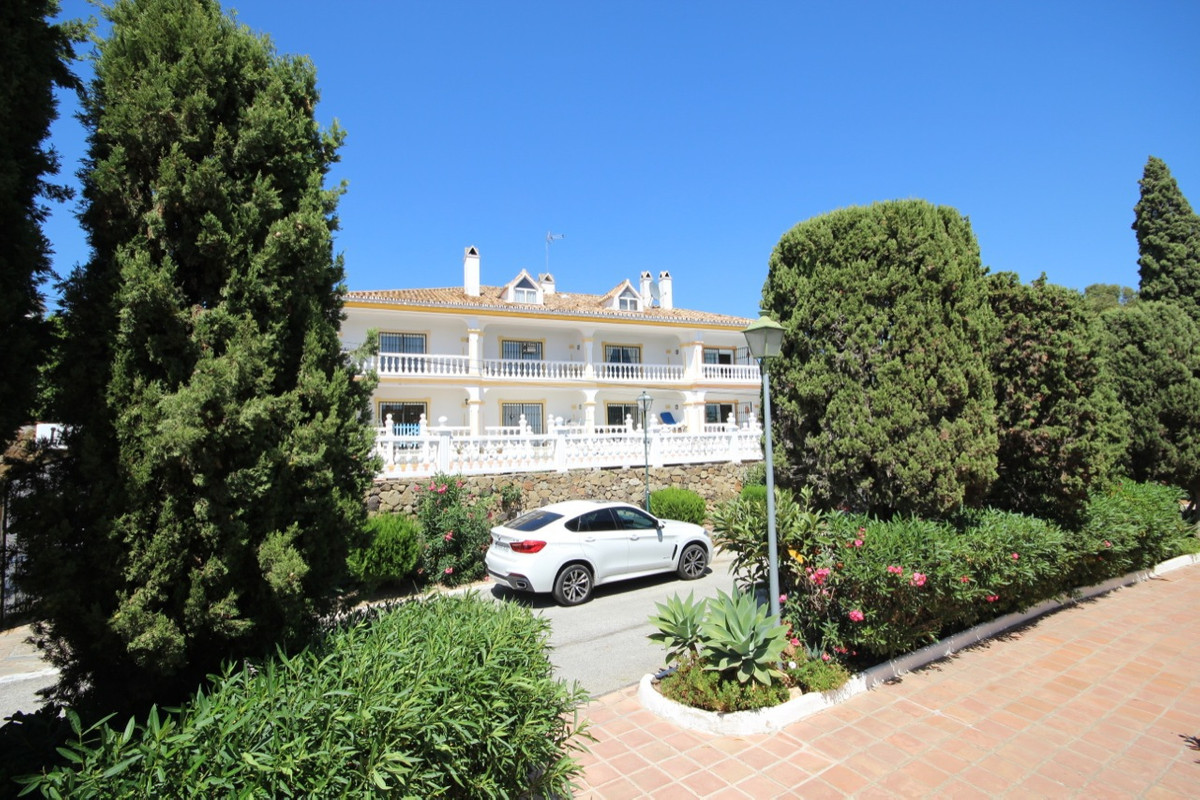Townhouse  Terraced  for sale   in El Paraiso