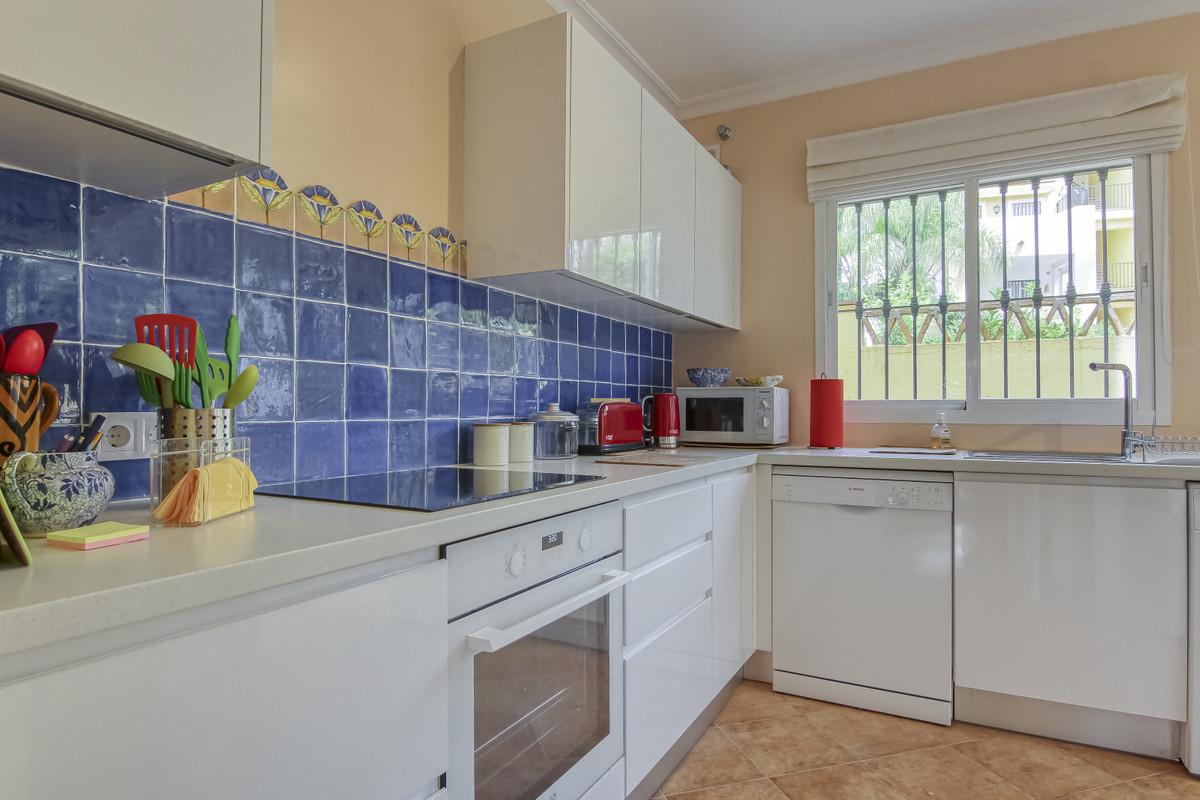 Apartment Ground Floor for sale in Guadalmina Alta, Costa del Sol