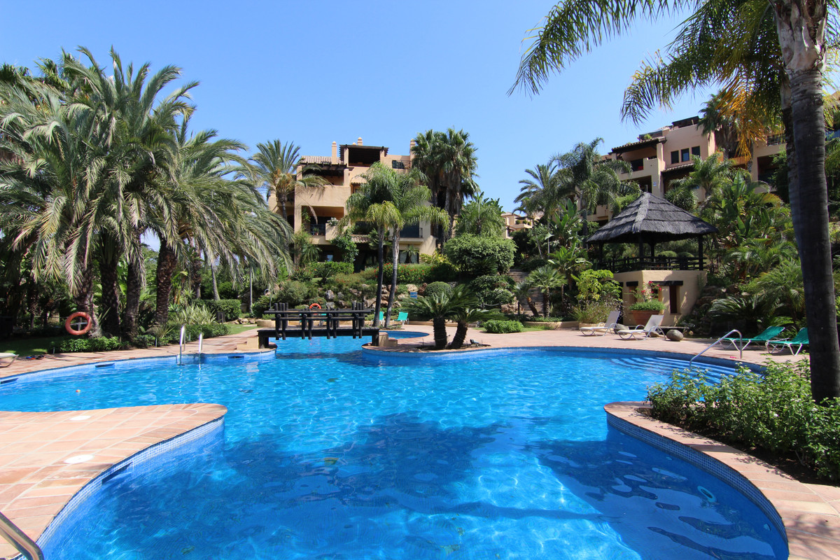 Apartment, Penthouse  for sale    in Atalaya