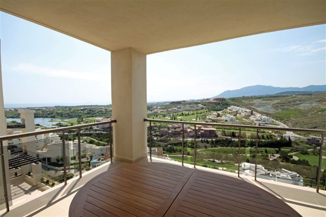Apartment, Middle Floor  for sale    in Los Flamingos