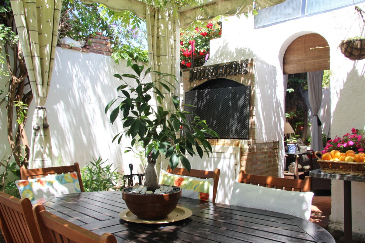 Townhouse, Terraced  for sale    in Costalita