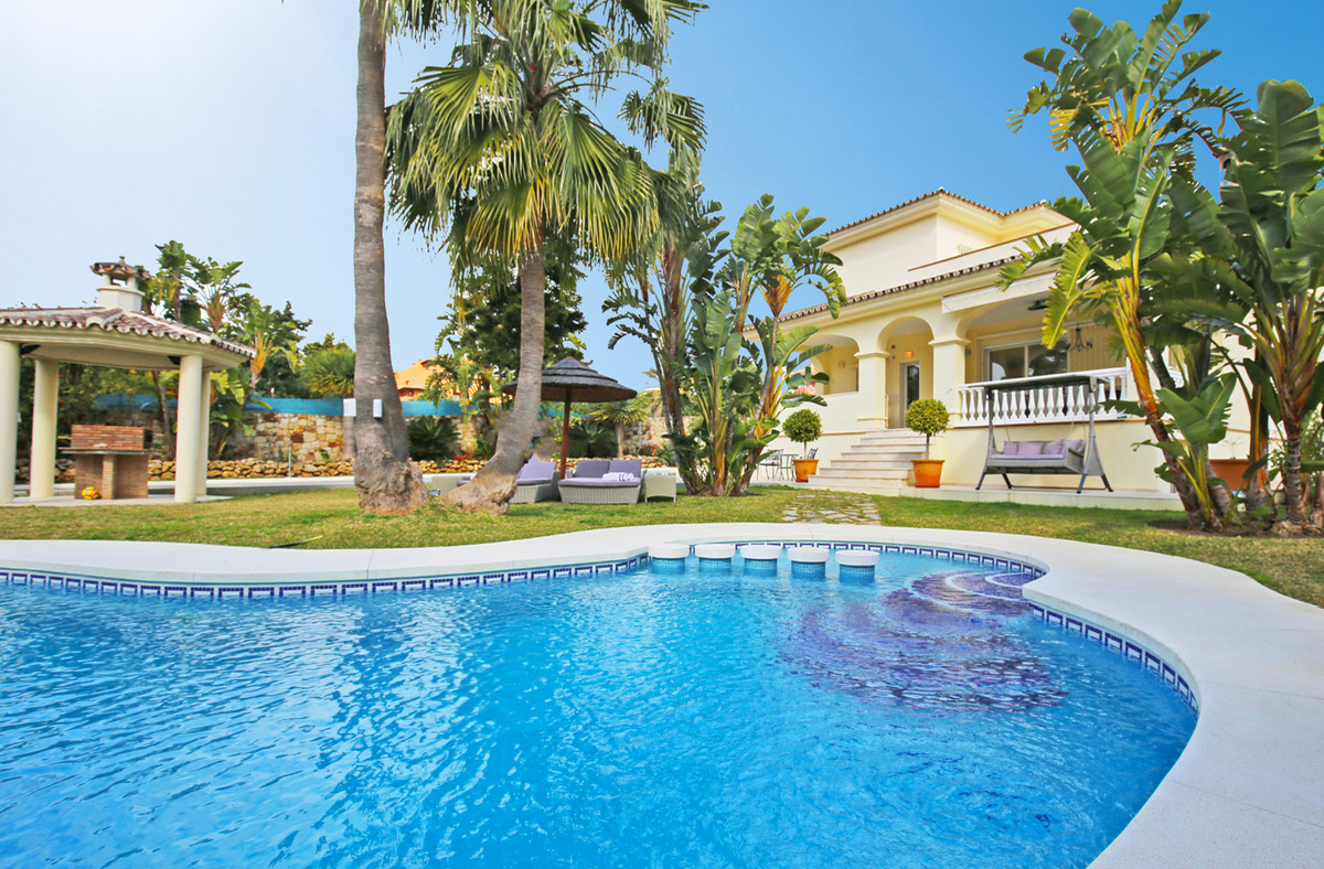 Villa, Detached  for sale    in Bel Air
