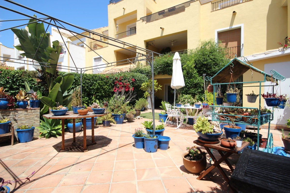 Apartment, Ground Floor  for sale    in Guadalmina Alta