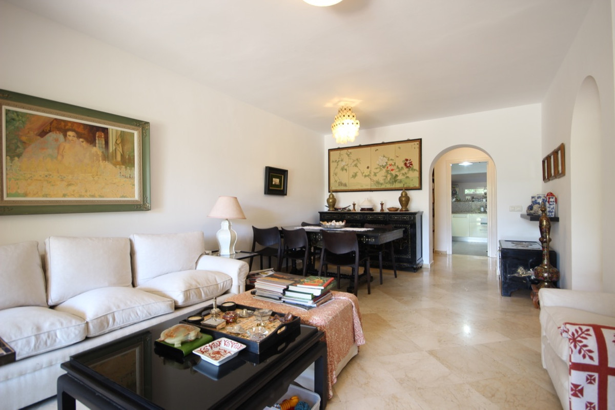 Apartment Ground Floor for sale in Guadalmina Alta, Costa del Sol
