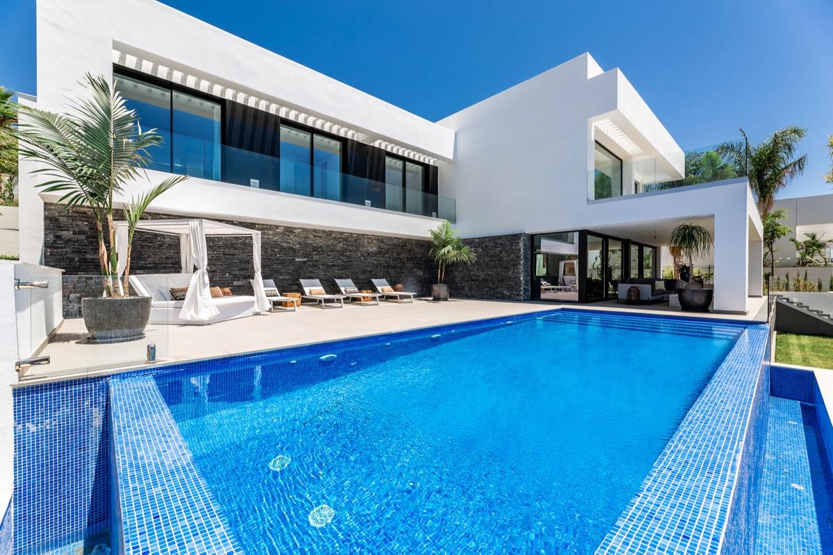 Villa, Detached  for sale    in Los Flamingos