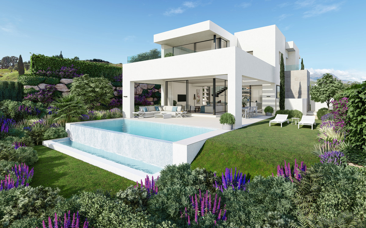 Villa, Detached  for sale    in Estepona
