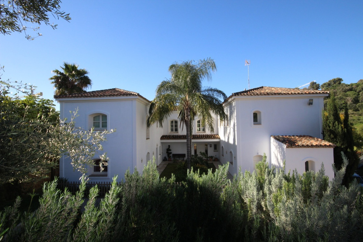 Villa Detached for sale in Benahavís, Costa del Sol