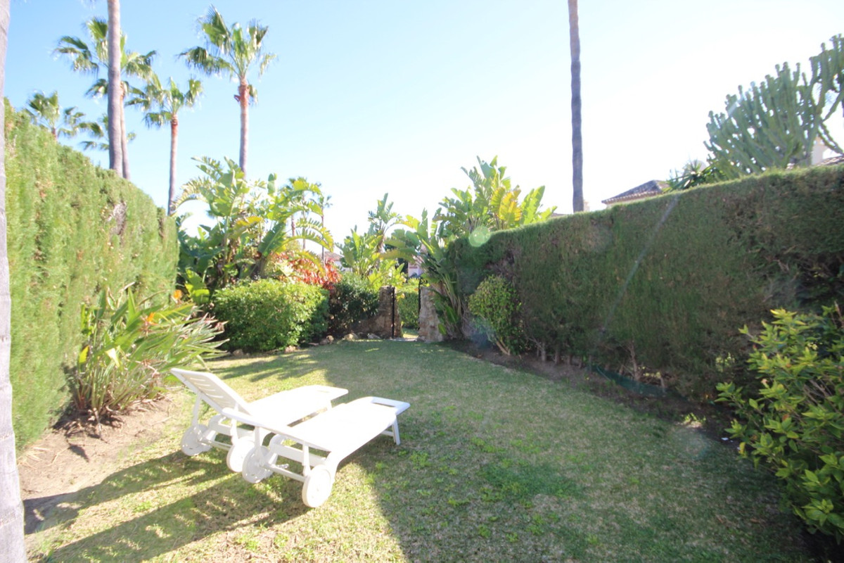 Townhouse, Terraced  for sale    in Bel Air