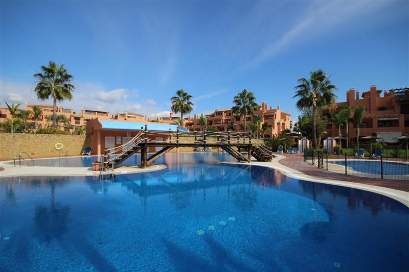 Apartment, Penthouse  for sale    in Hacienda del Sol