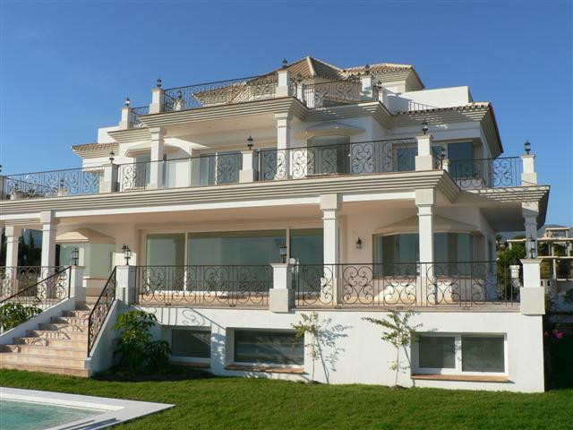 Picture of property for sale in Estepona